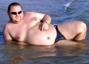 fat-guy-speedo